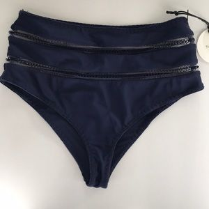 Tularosa Navy Jules Highwaisted Bikini Bottom XS